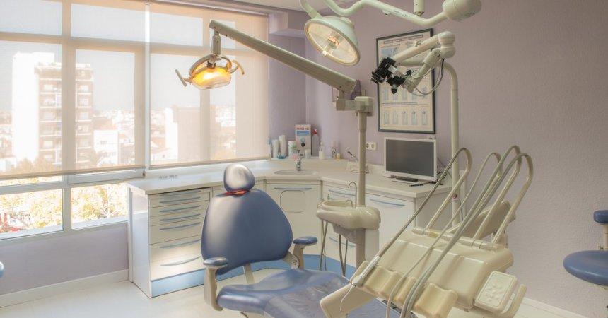centro_dental_badajoz_clinica_dentista_odontologia_periodoncia_implantes_ortodoncia_endodoncia_extremadura_gerona_niños_mayores (3)